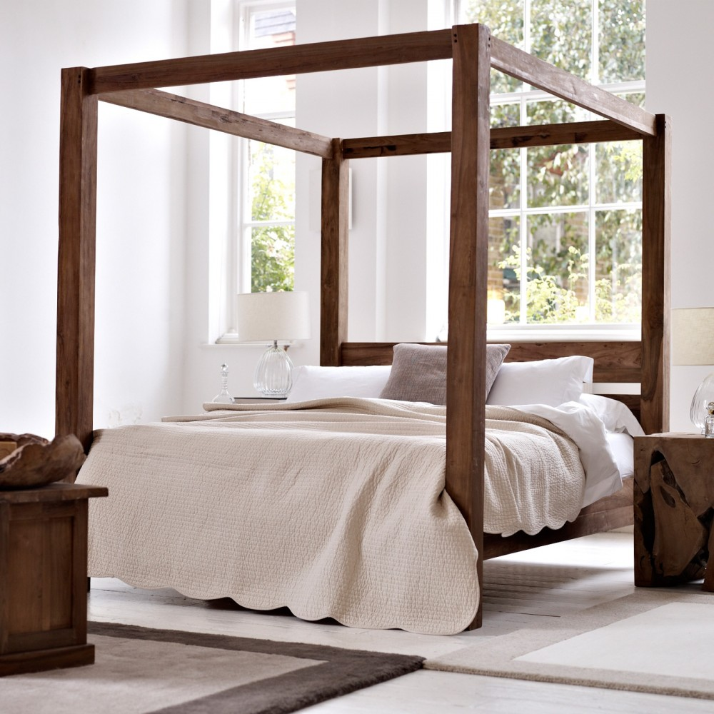 image-four-poster-bed