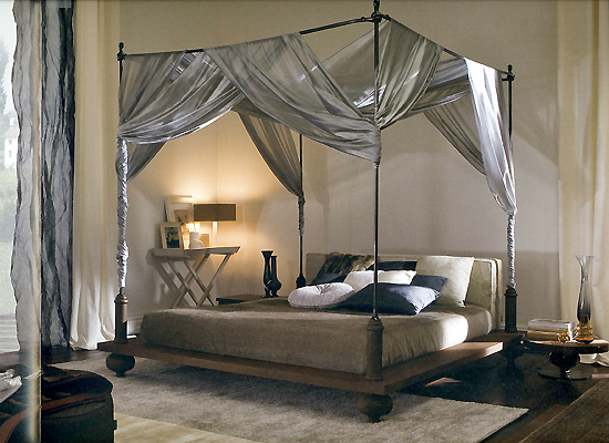 wrought_iron_fourposter_bed_m