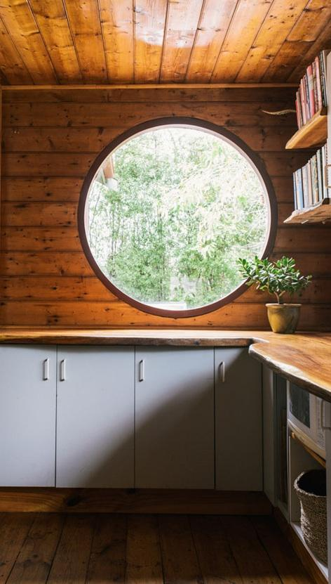 round-wood-window-australia